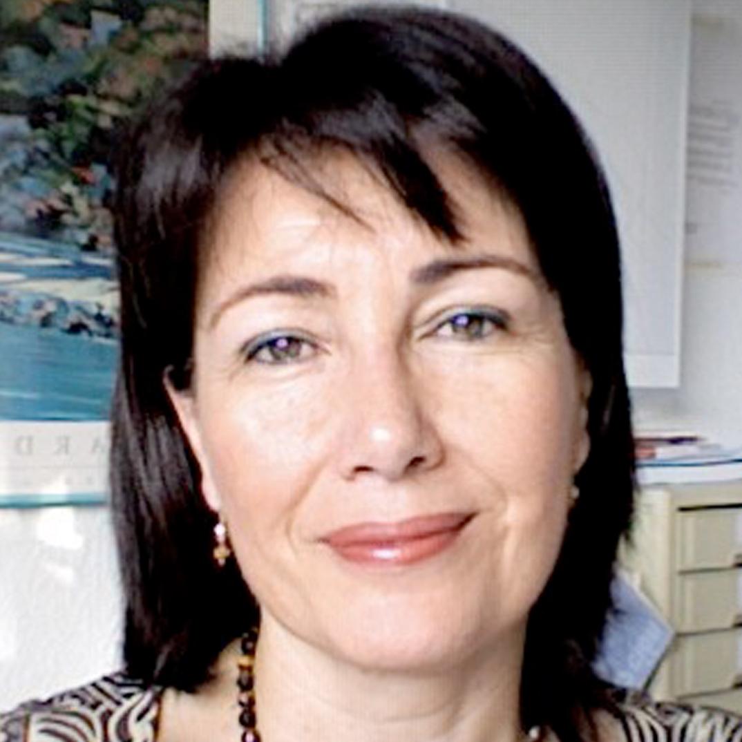 Dra. Elena Rodríguez Ortíz