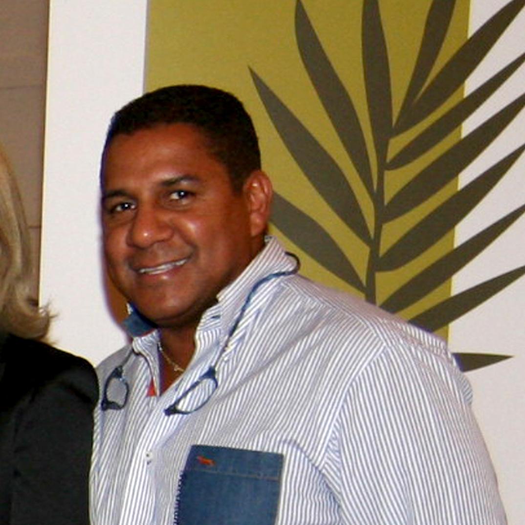 Dr. Pedro Peña Coello